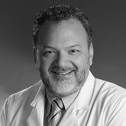 Dr. Arturo Zarzar