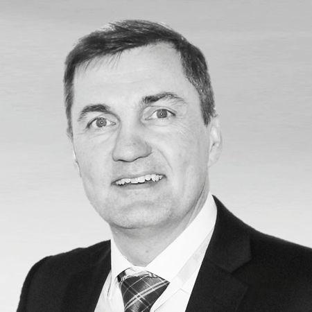 Dr. Jan Paulics